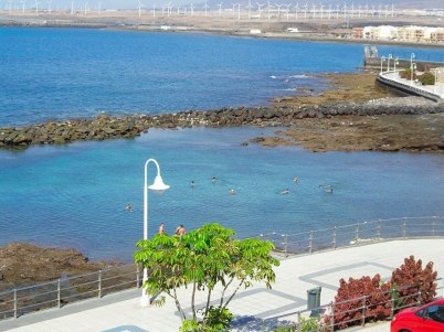 Zoco del Negro: natural pool protected from the waves