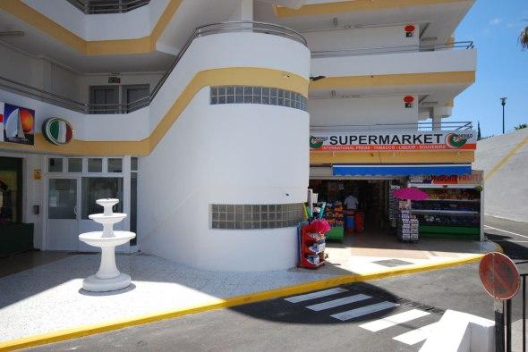 Supermarket right next door