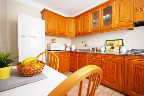Comfortable and complete kitchen